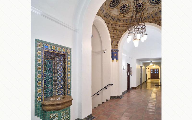 Caltech Gates Annex Linus Pauling Lecture Hall - Hallway